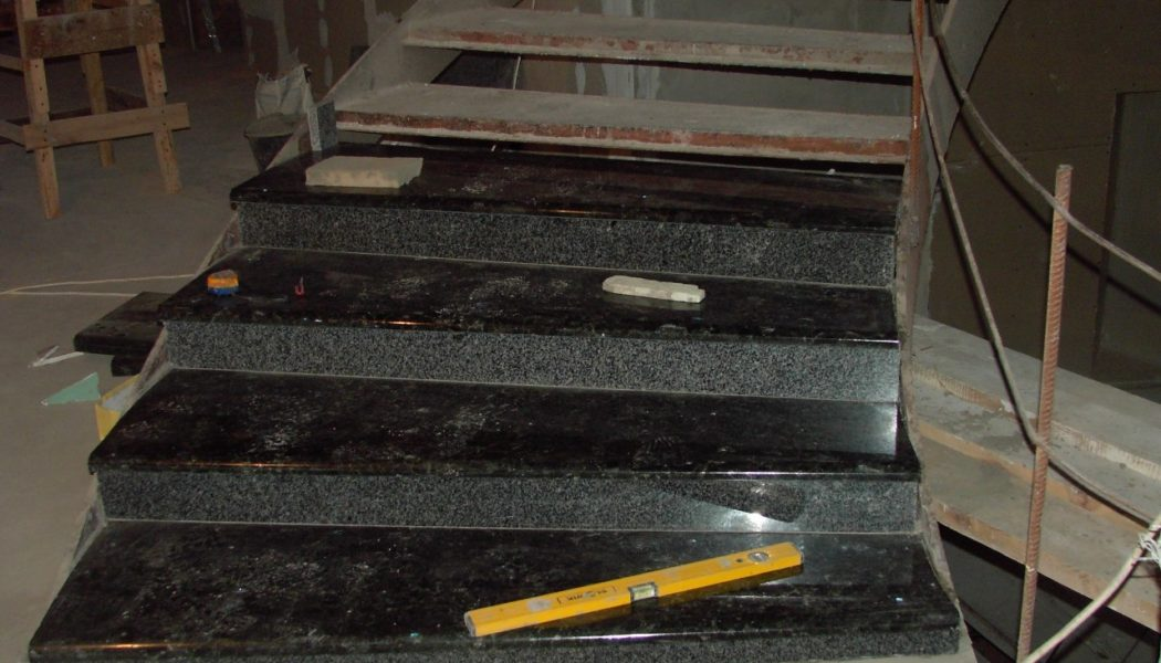 Монтаж мармуру і граніту